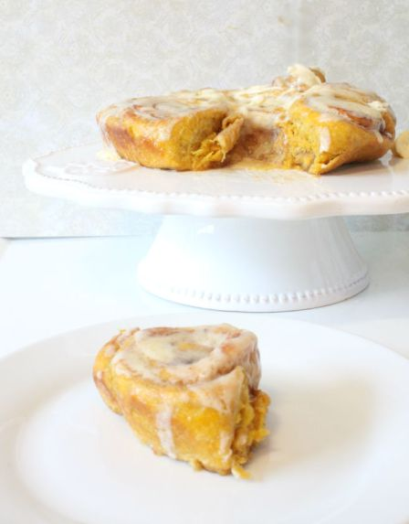 Fall pumpkin cinnamon rolls