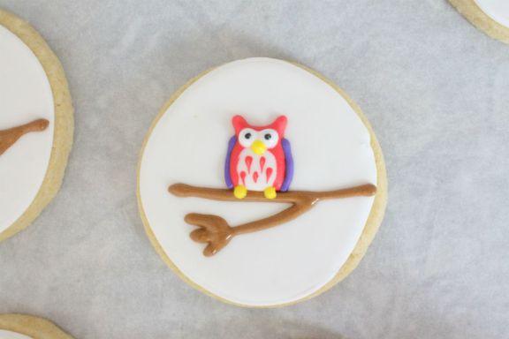 Royal icing owl